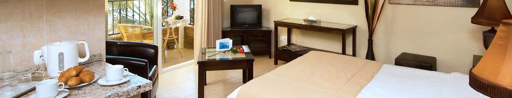 Apartamentos Estudio - Alojamiento en hotel El Oceano frente a la playa entre Marbella y La Cala de Mijas