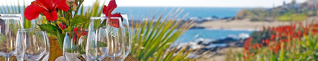 Restaurante de la playa, El Oceano - Un restaurante de lujo frente al mar entre Marbella y La Cala de Mijas, en la Costa del Sol, Espana