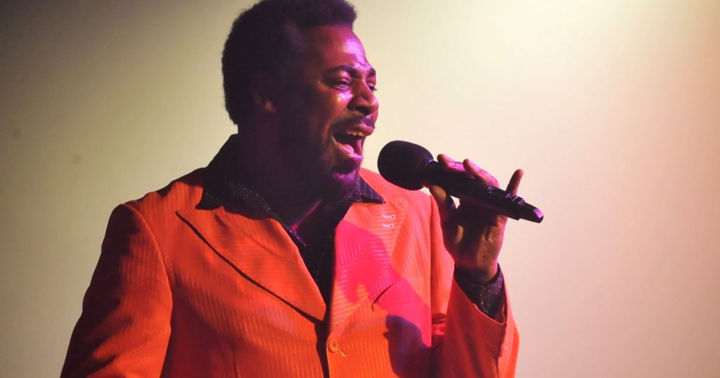 Dave Largie Tribute to Barry White - Dining Entertainment at El Oceano Restaurant, Costa del Sol, Spain
