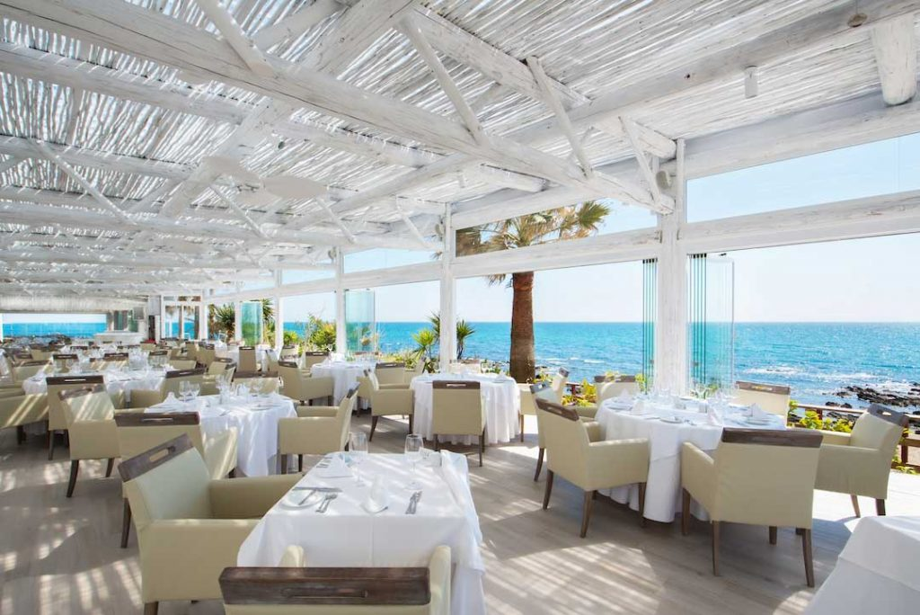 El Oceano Beach Hotel, Restaurant, Beauty Salon and Martini Lounge between Marbella and La Cala de Mijas on Spain's Costa del Sol 01.