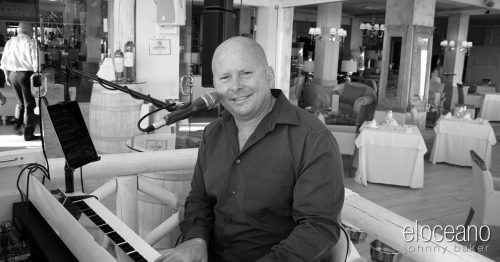 Johnny Baker - Dining Entertainment at El Oceano Restaurant, Mijas Costa OG01