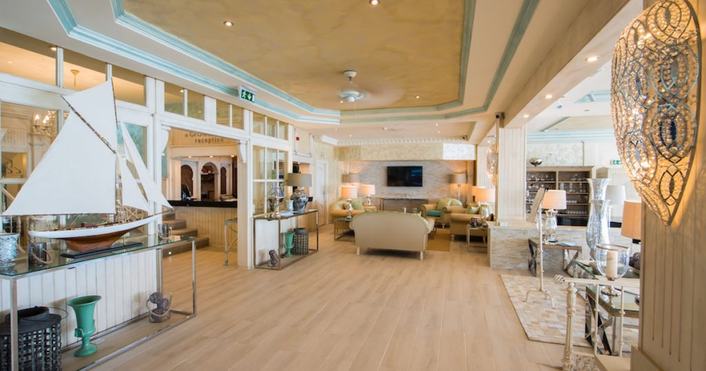 Reception Services at El Oceano Hotel Mijas Costa Spain OG02