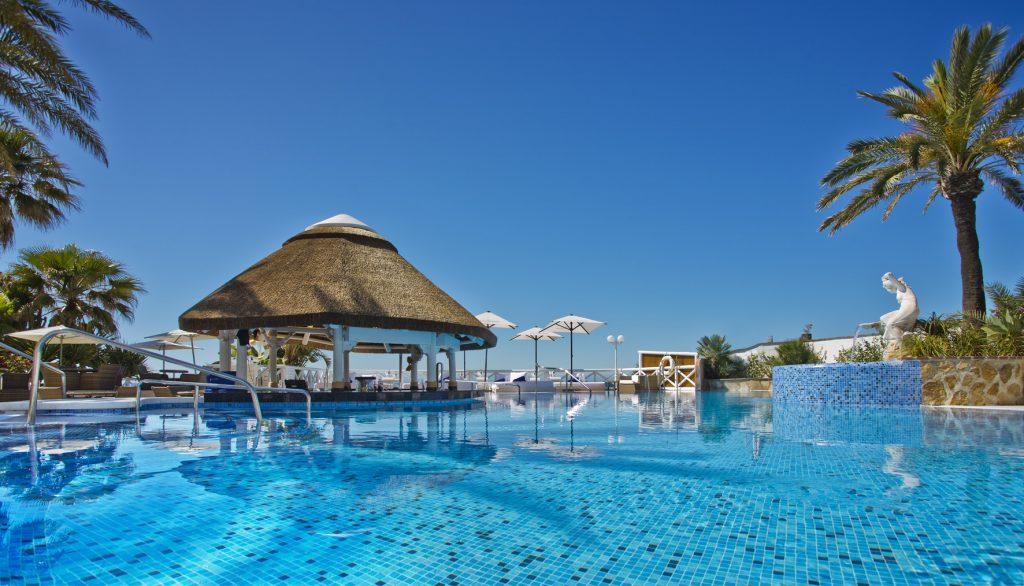 El Oceano Exclusive Pool Bar VIP Sunbed Terrace